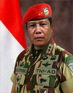 """JENDERAL TNI GADUNGAN. …""""Tangkap""""."""