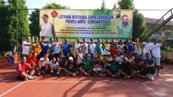 SINERGITAS TNI – POLRI DALAM GIAT OLAH RAGA BERSAMA DI SINGHASARI KOTA BATU