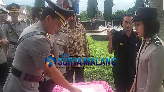 HUT Bhayangkara ke 70, 25 Anggota Polres Batu Naik Pangkat