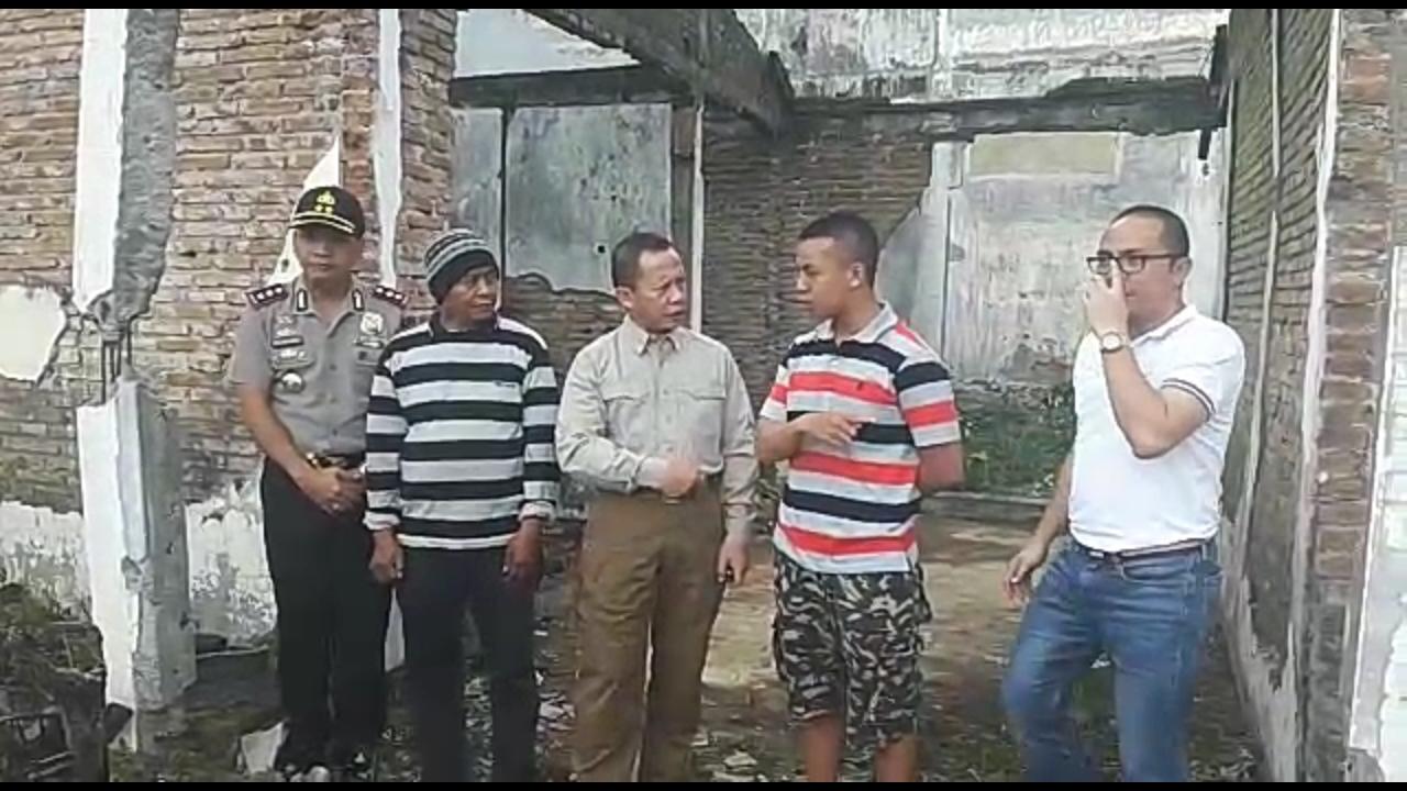Asrena Kapolri bersama kapolres Batu Tinjau TKP gembong teroris Dr Ashari