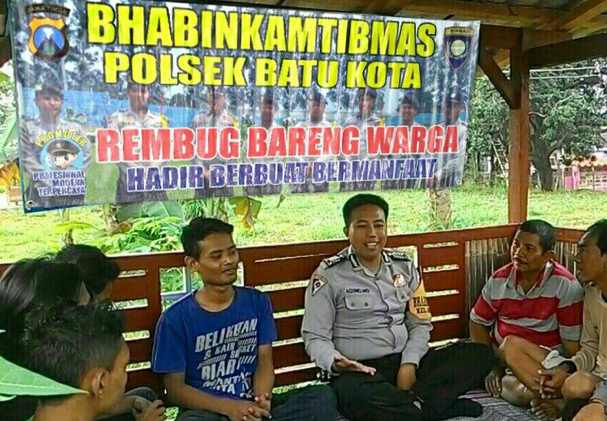 BHABIN  NGAGLIK POLSEK KOBA REMBUG BARENG WARGA
