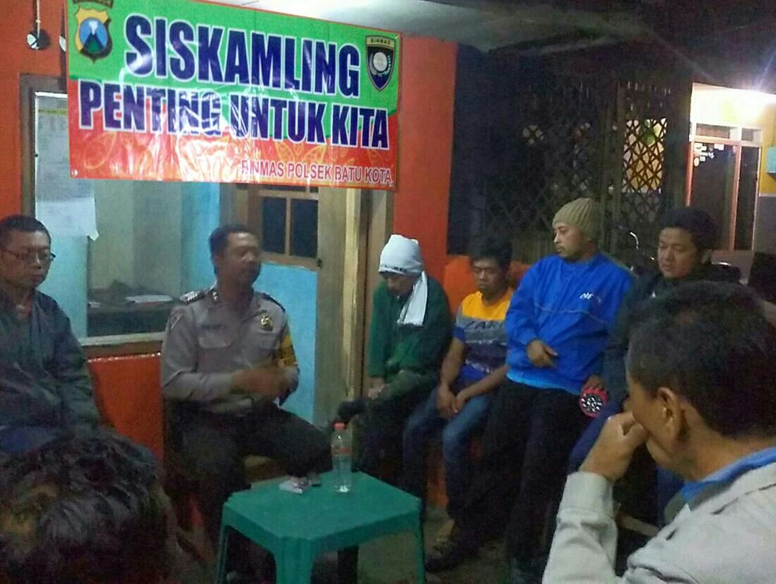 Bhabinkamtibmas Kelurahan Songgokerto binluh dalam rangka penguatan harkamtibmas
