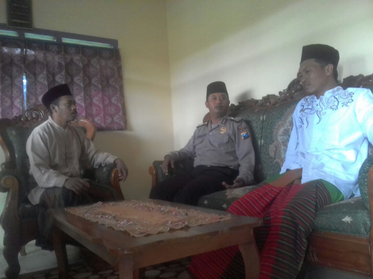 WAJIB KUNJUNG DAN SILATURAHIM TOGA TOMAS BHABIN KEL.SONGGOKERTO POLSEK BATU KOTA