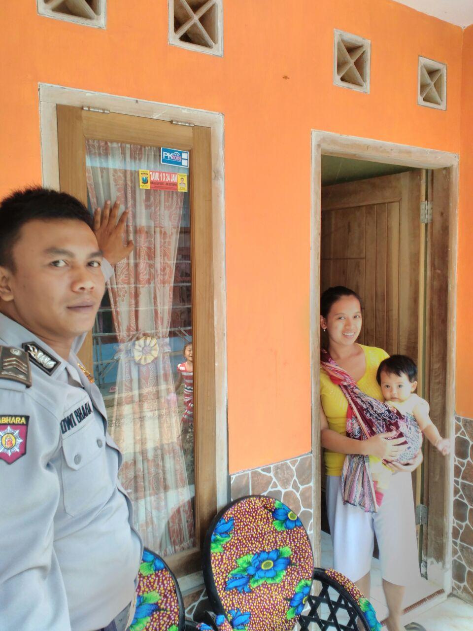 BHABIN POLSEK BUMIAJI UNTUK DESA GUNUNG SARI BINLUH DOOR TO DOOR