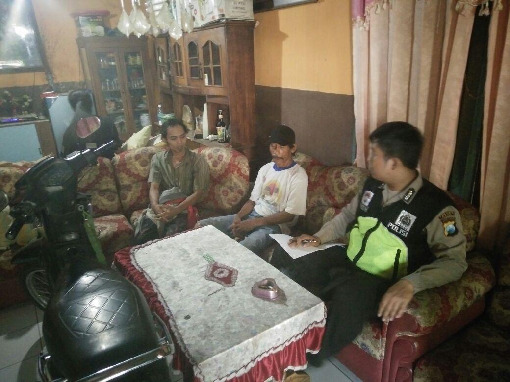 DENGAN DOOR TO DOOR SYSTEM BHABINKAMTIBMAS DESA PESANGGRAHAN POLSEK BATU KOTA SERAP ASPIRASI MASYARAKAT