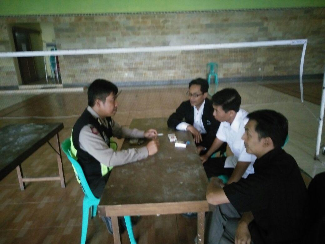 SAMBANG DAN SILATURAHMI BHABIN DESA. PESANGGRAHAN POLSEK BATU BERSAMA PERANGKAT DESA PERKUAT HARKAMTIBMAS