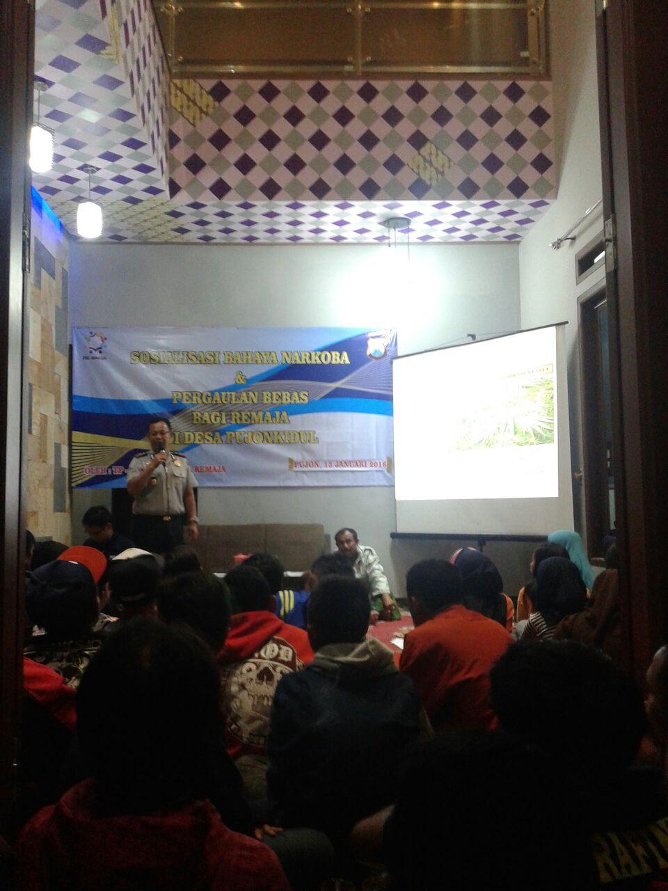 Kapolsek Pujon Dan Anggota Memberikan Sosialisasi Tentang Bahaya Penyalagunakan Narkoba