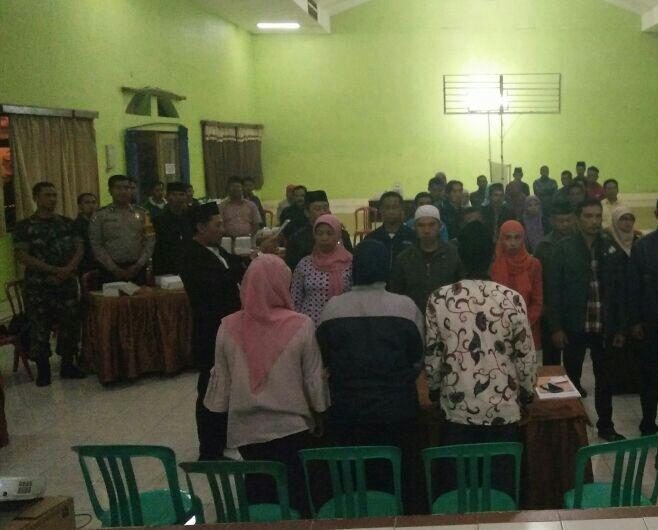 Bhabin Menghadiri Pelantikan Dan Pengambilan Sumpah Janji Anggota Kpps Desa Pesanggrahan