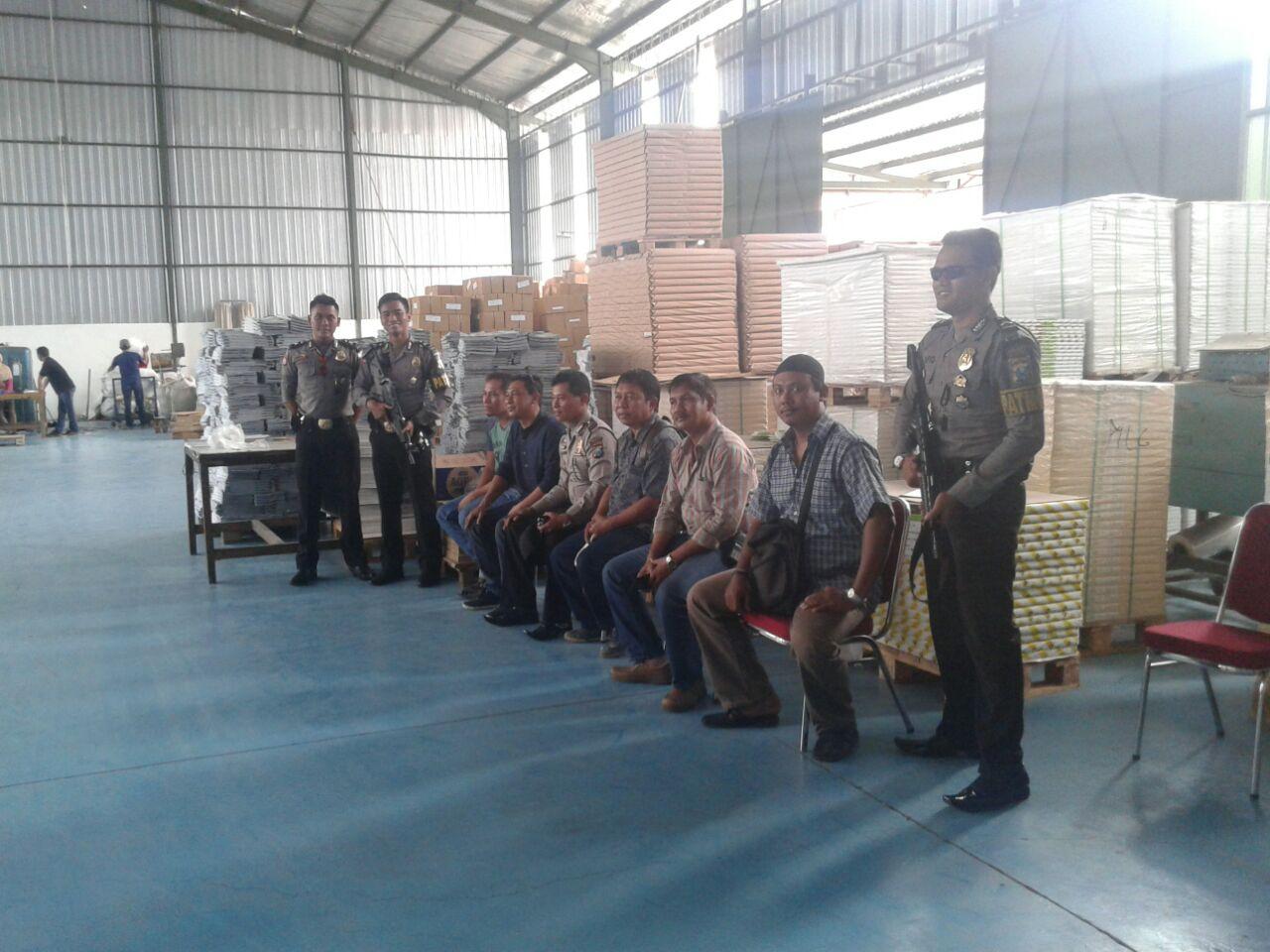 Pengamanan Pencetakan surat Suara pemilukada kota Batu Di Jaga Ketat