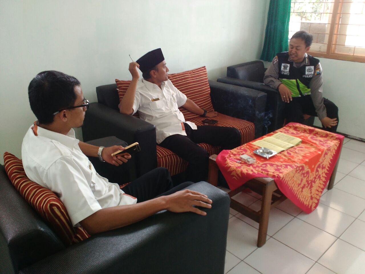 Bhabin Kelurahan Temas Polsek Batu Kota Kordinasi Bersama Lurah Temas Sampaikan Pesan Kamtibmas