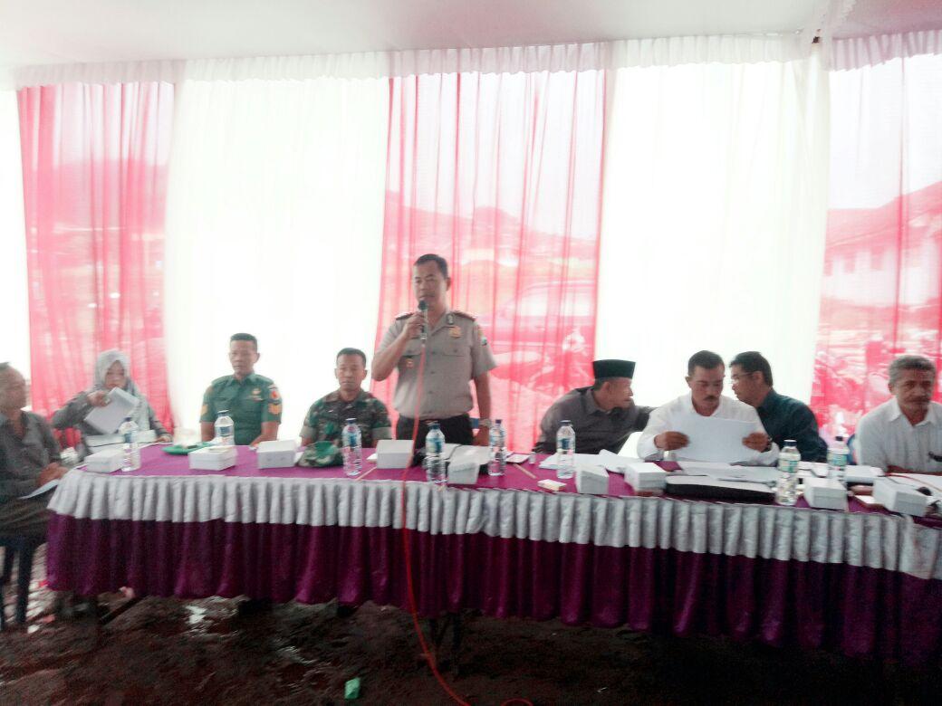 Kapolsek Pujon beserta anggota hadiri  Pra RAT Koperasi SAE Pujon bertempat di Pos Susu Ds. Wiyurejo