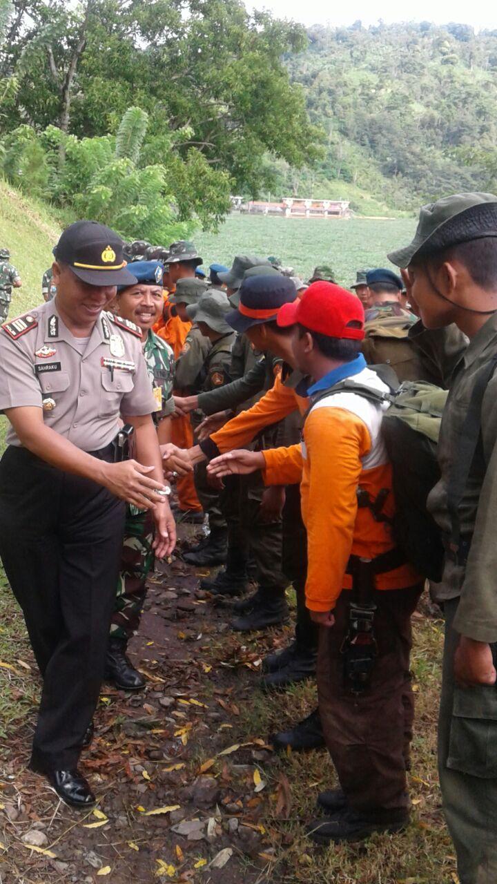 Kapolres Batu diwakili oleh Kapolsek Ngantang menghadiri Upacara Penutupan Survival Wing 2 Lanud Abd Saleh di Selorejo kec. Ngantang