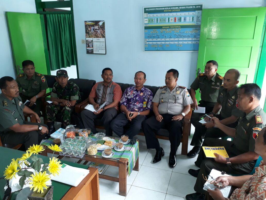 Giat Kapolsek mengikuti Rapat Koordinasi terkait dengan rencana giat Reboisasi Di wilayah Pujon