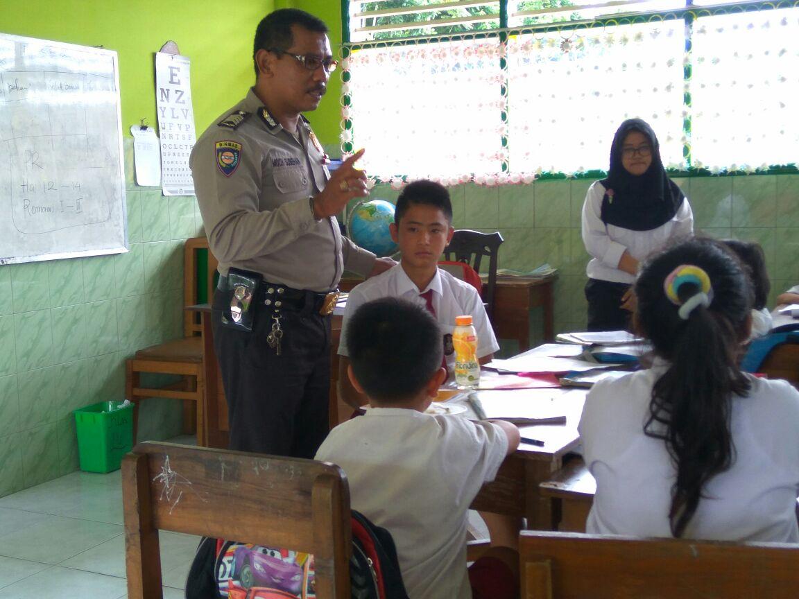 Sat Binmas penyuluhan antisipasi kenakalan remaja di SD Sumberejo