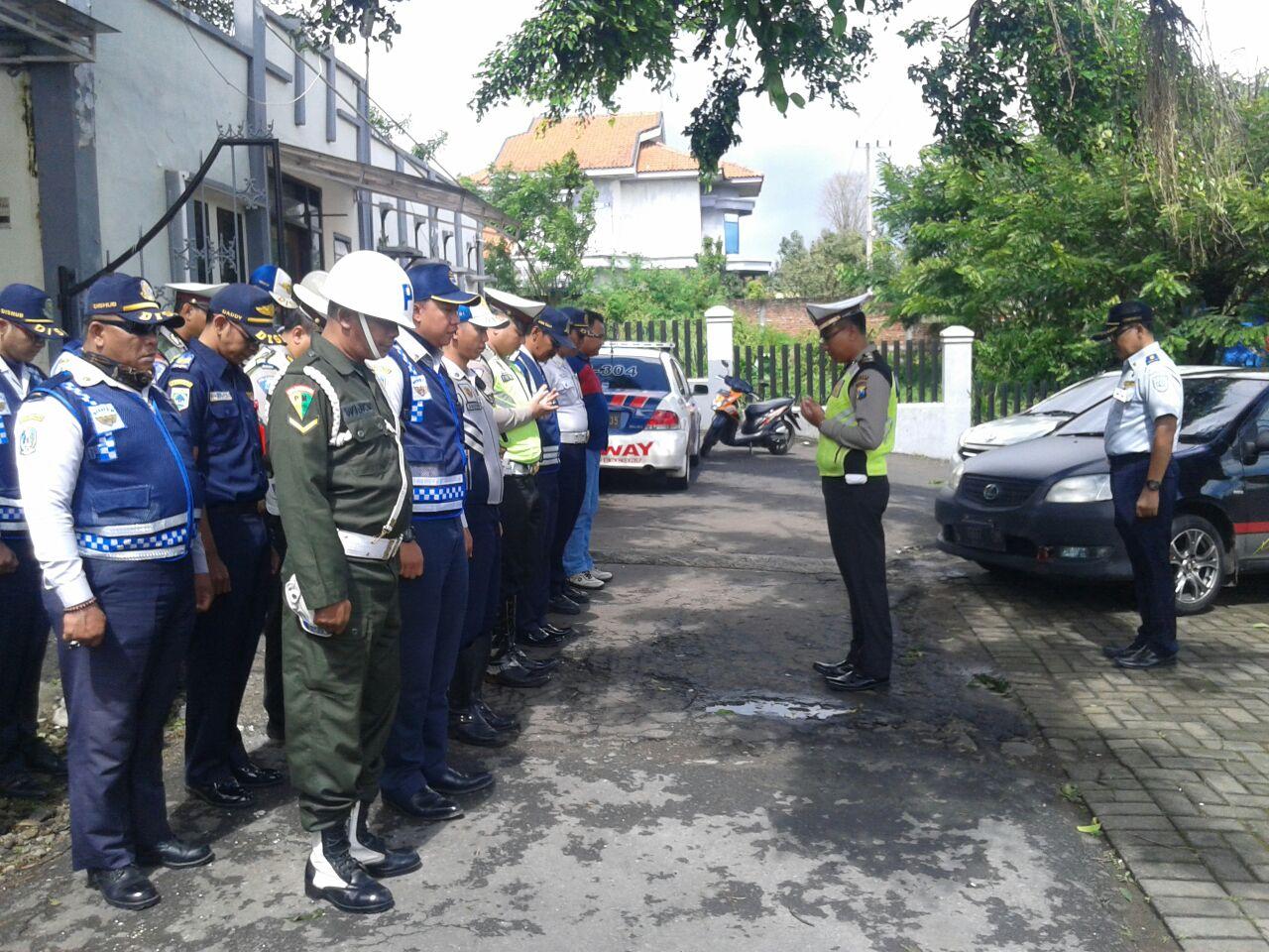 LANTAS BATU LAKSANAKAN OPERASI GABUNGAN DENGAN DISHUB DAN POM TNI AD