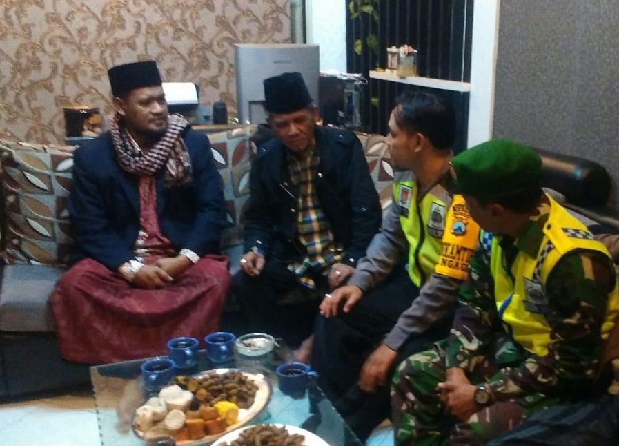 Silaturahmi Kamtibmas Bhabin Kelurahan Ngaglik Polsek Batu Kota Sambut Pilkada Damai