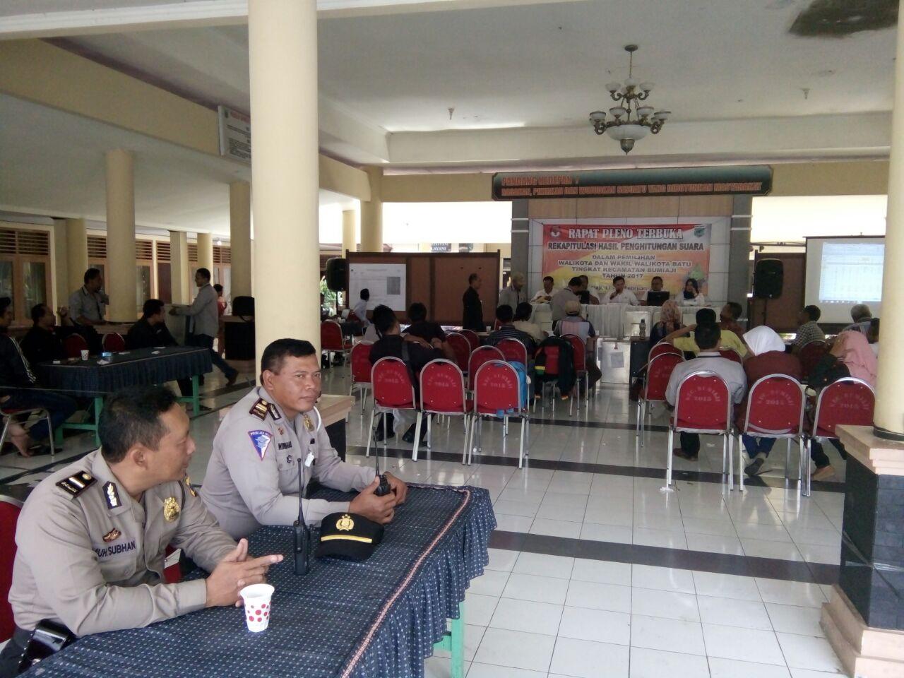 Pengamanan Rapat Pleno Terbuka Rekapitulasi Perhitungam Suara Tingkat Kecamatan