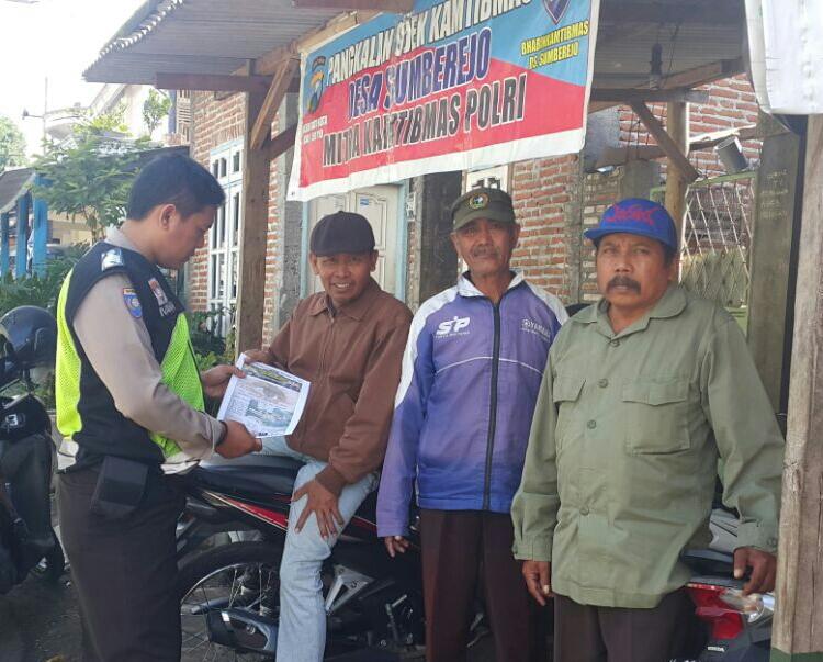 Bhabinkamtibmas Polsek Junrejo Polres Batu Lakukuan Sambang Ke Kelompok Tani di Desa Binaannya