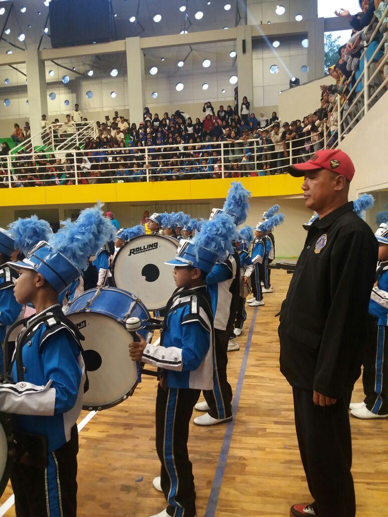 PDBI Kota Batu Tampilkan Atraksi Drum Band dalam Peresmian GOR Gajah Mada Batu