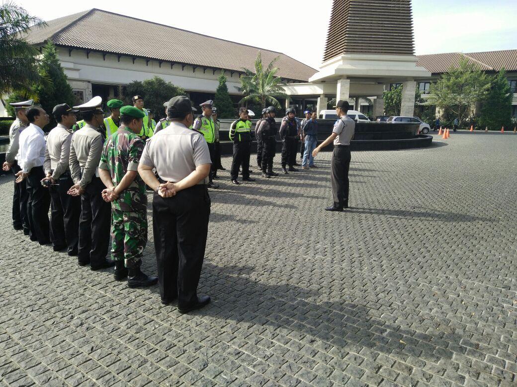 Pengarahan Kabag Ops di Apel Pengamanan Munas Pom di Hotel Singgasari