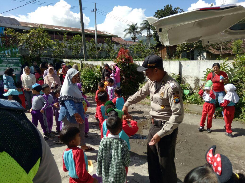 Polisi Sahabat Anak (PSA) Bhabinkamtibmas Desa Pujon lor