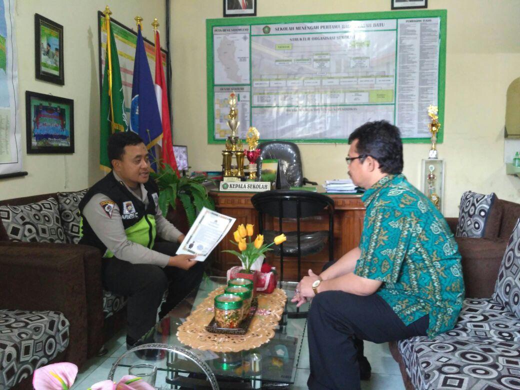 Bhabinkamtibmas Desa Sidomulyo Penyuluhan Ke SMP Raden Patah