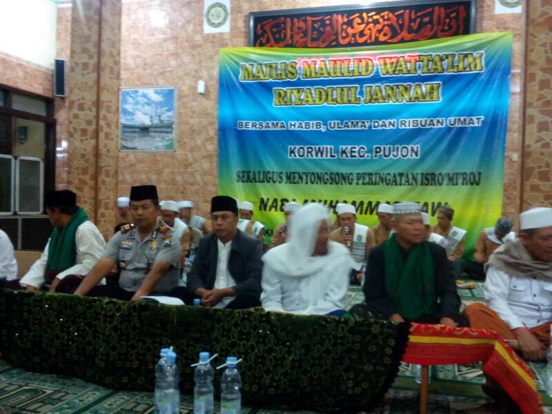 Kapolsek Pujon dan Anggota Melaksanakan Pengamanan Pengajian Riyadlul Jannah