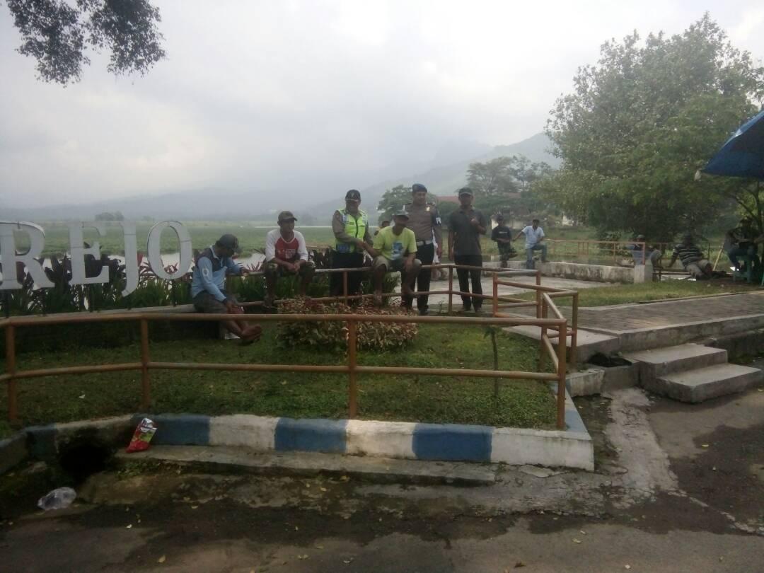 Anggota Polres Batu  Patroli Tempat Wisata Antisipasi Libur Panjang