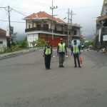 Anggota Polsek Kasembon Polres Batu Patroli Sambang Pos Kamling Demi Terjaganya Kamtibmas Aman Kondusif