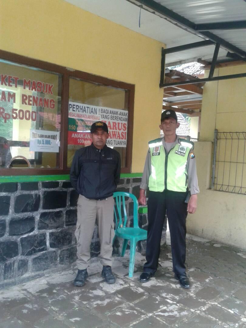 Perangi Narkoba, Anggota Kanit Reskrim Polsek Kasembon Polres Batu Binluh SMK PGRI Kasembon