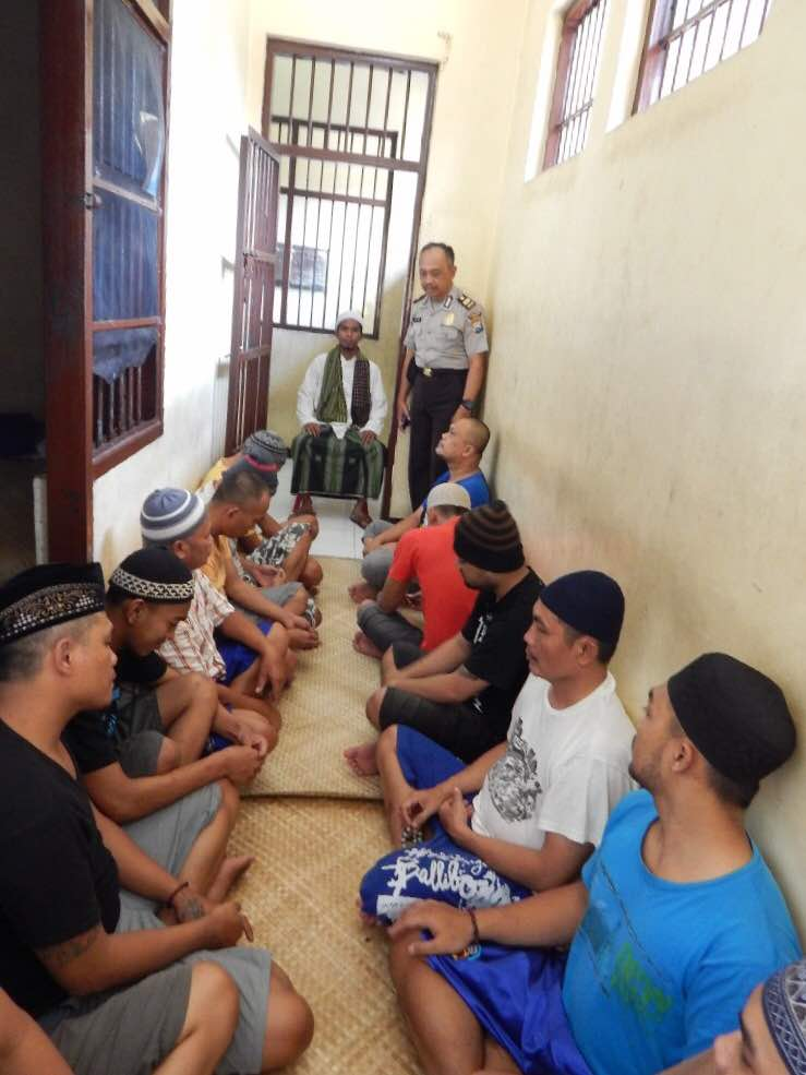 Polres Batu Adakan Siraman Rohani Bagi Para Tahanan