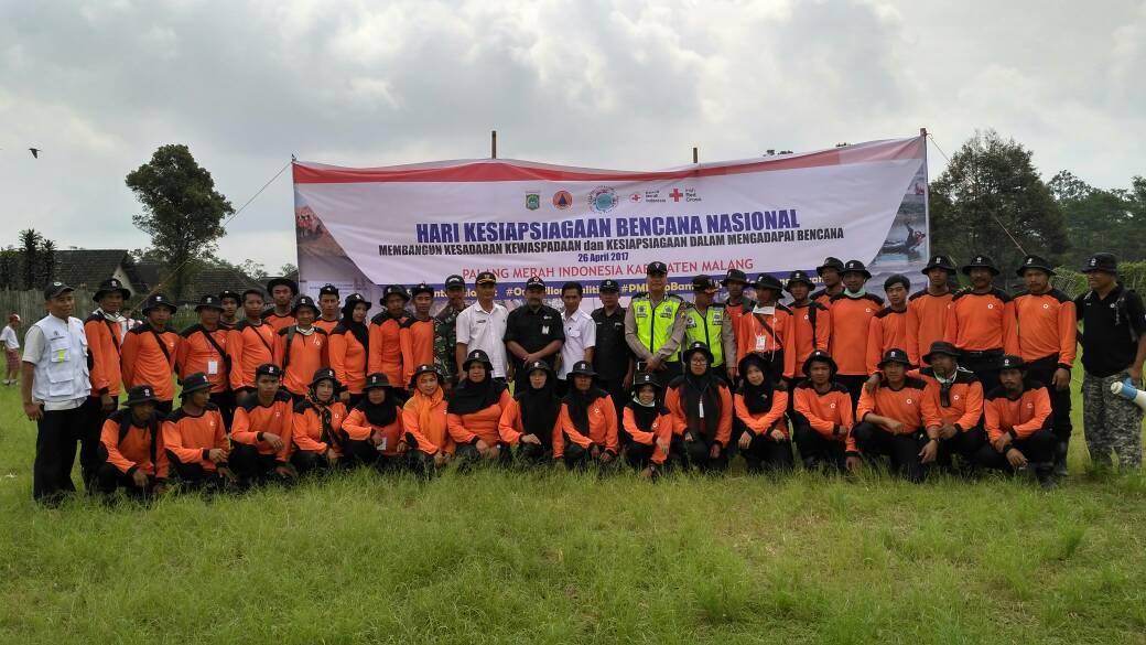 Anggota Polsek Ngantang Giat Pengamanan Penutupan Pelatihan PMI