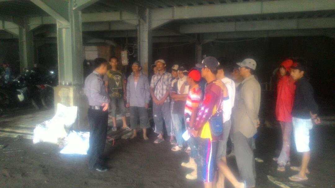 Anggota Bhabinkamtibmas Polsek Batu Giat Pembinaan Dan Penyuluhan