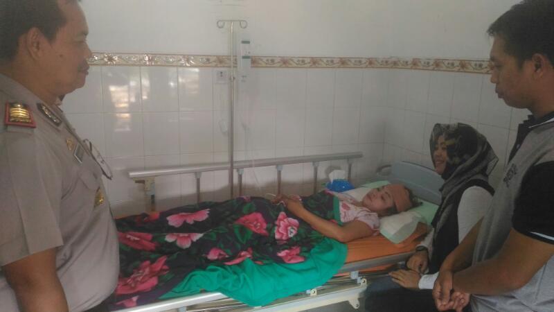 Kapolsek Pujon Kunjungi Bhayangkari di Rumah Sakit Hasta Brata