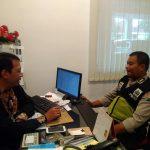 Menjaga Kamtibmas, Anggota Bhabinkamtibmas Polsek Batu Polres Batu DDS Warga Desa Binaan