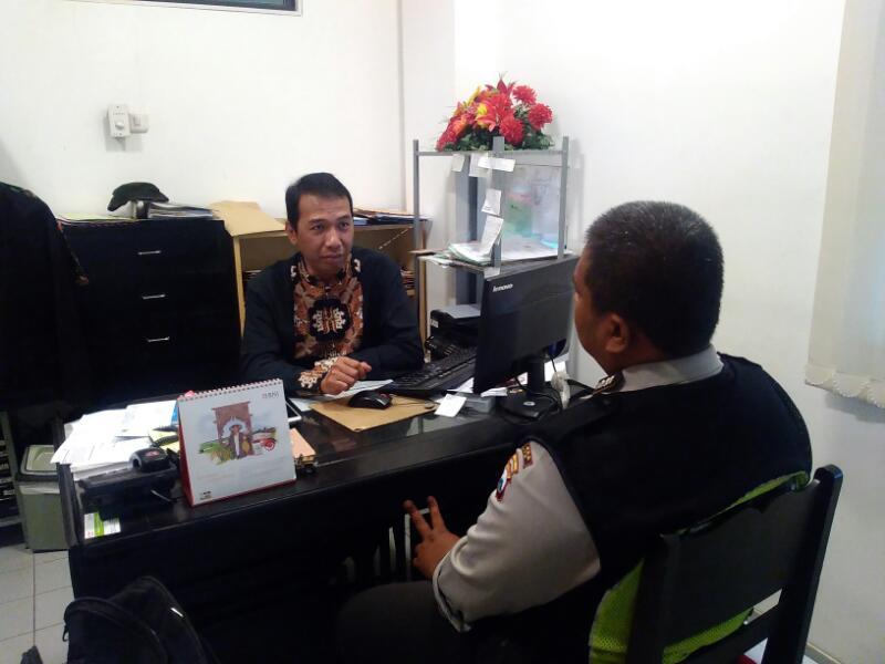 Anggota Bhabin Polsek Batu Polres Batu Sambang DDS Untuk Menjaga Kemanan Wilayah Aman Kondusif