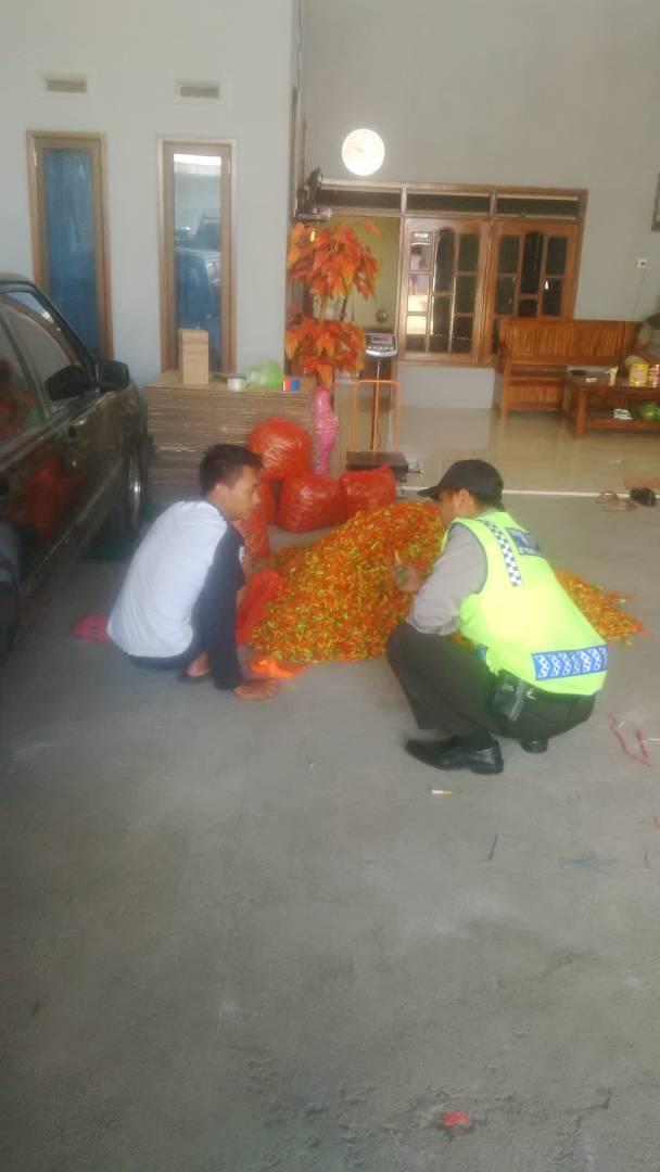 Menjalin Sinergitas, anggota Polsek Ngantang Polres batu Patroli Tatap Muka Dengan Warga Binaantya