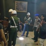 Anggota Provos Polres Batu Giat Razia Hiburan Malam Bersama Polisi Militer