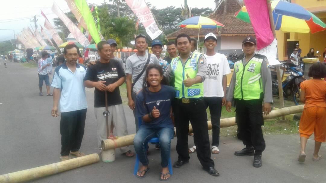 Polsek Ngantang Polres Batu Amankan Hiburan Dangdut dan Bazar