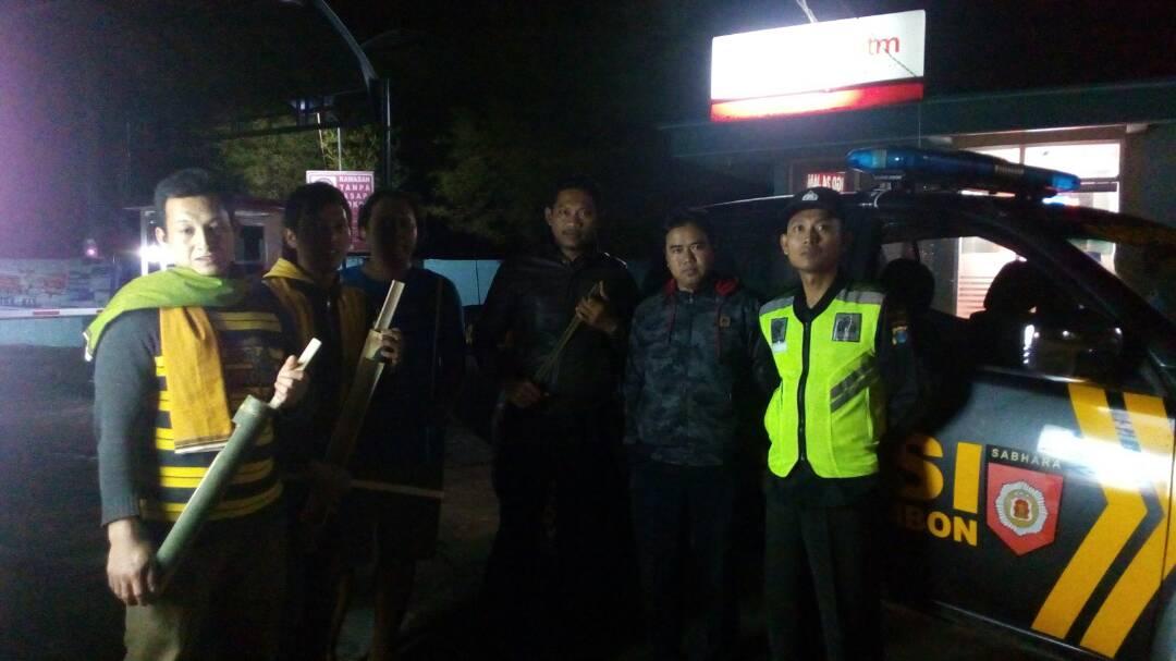 Anggota Polsek Kasembon melaksanakan Patroli Saur
