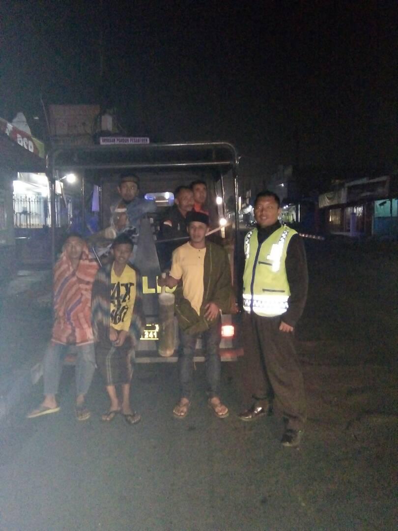 Polsek Pujon Polres Batu Patroli Sahur Untuk Jaga Kamtibmas Tetap Aman