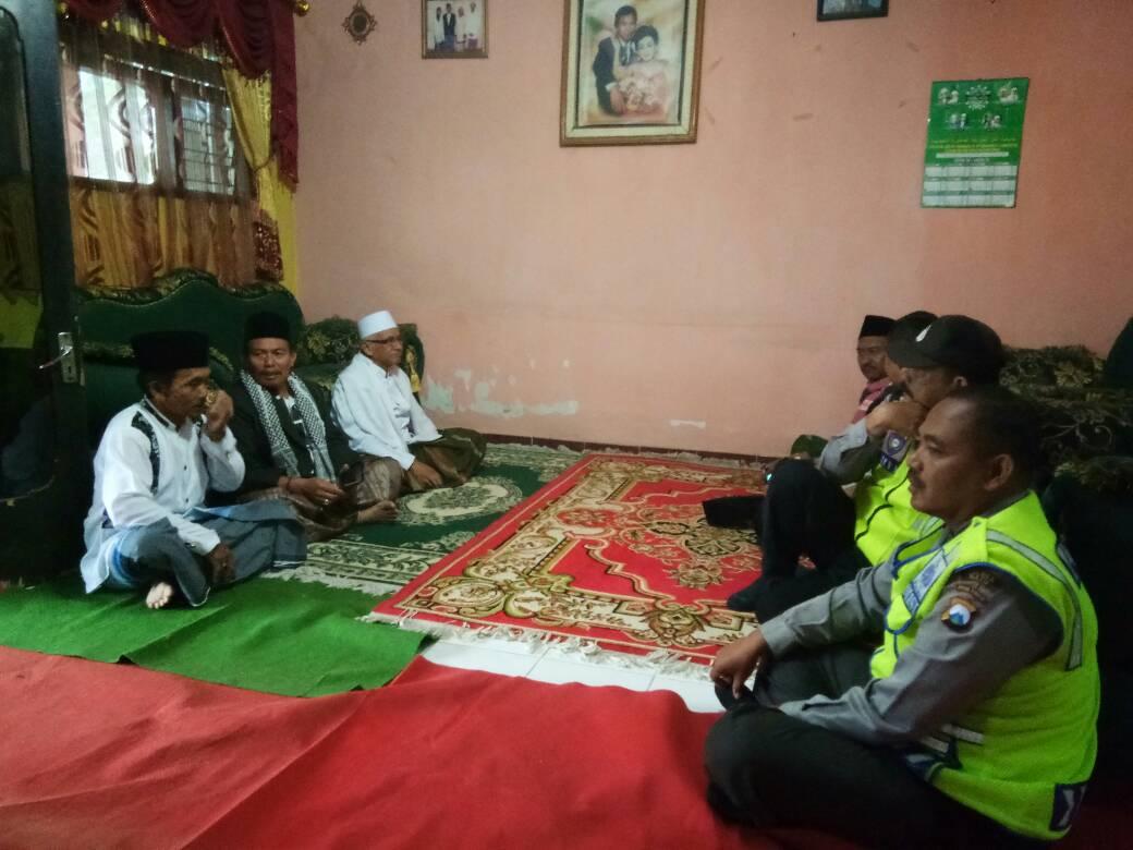 Kapolsek Dan Anggota Pujon Polres Batu Hadiri Giat Safari Ramadhan