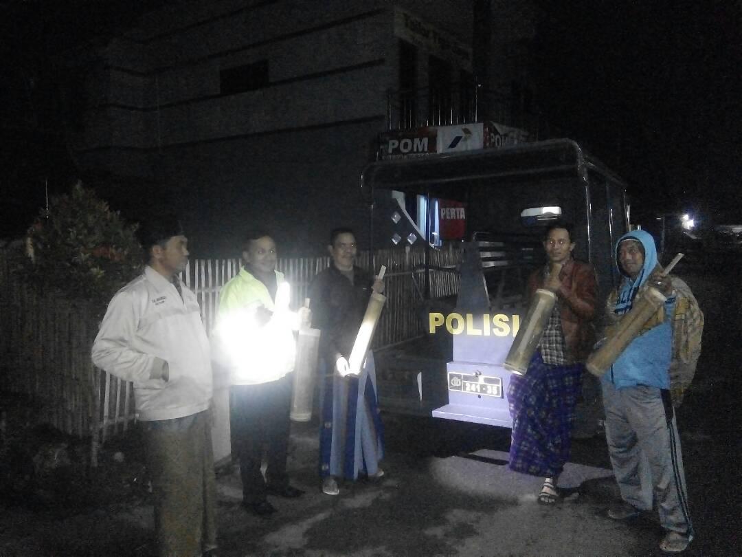 Polsek Pujon Polres Batu Giat Patroli Sahur Bersama Warga Desa Madiredo