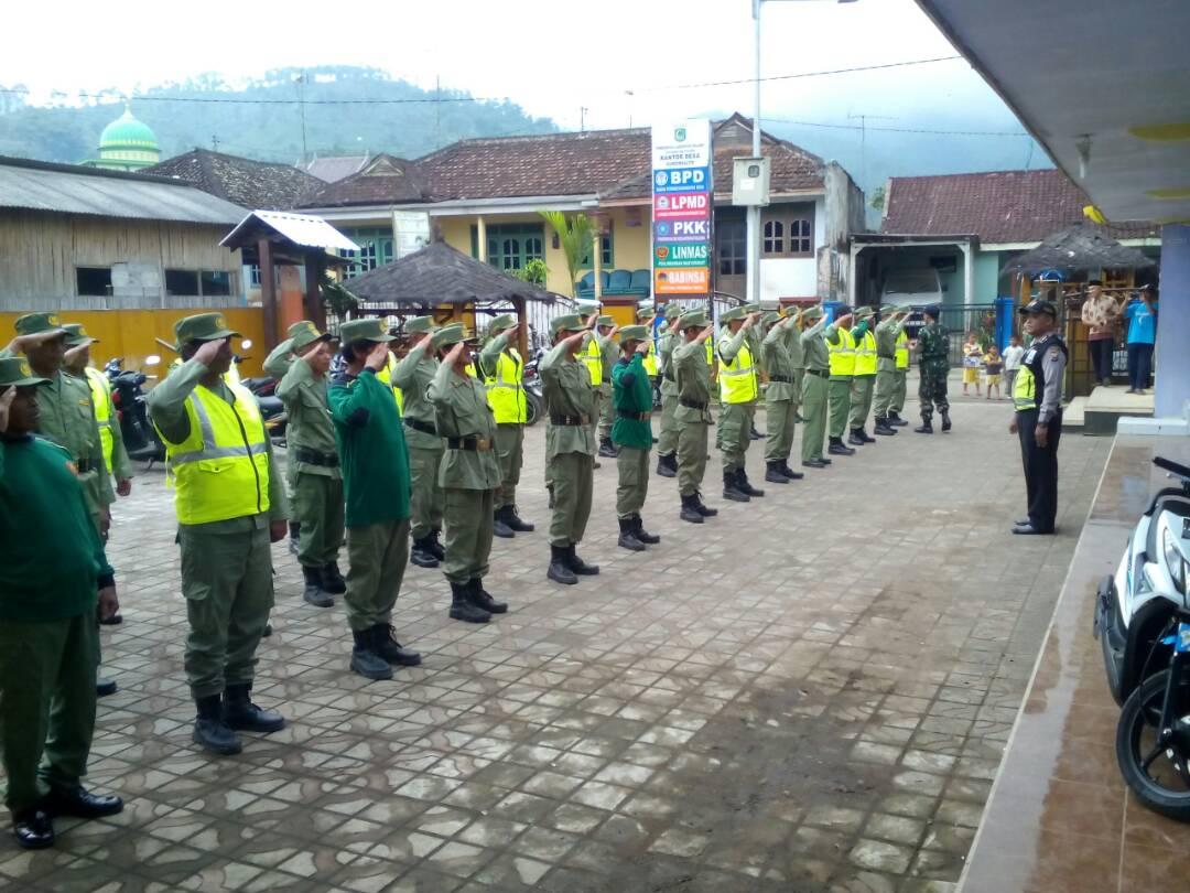Bhabinkamtibmas Polres Batu Pembinaan Kepada Linmas Desa Sukomulyo