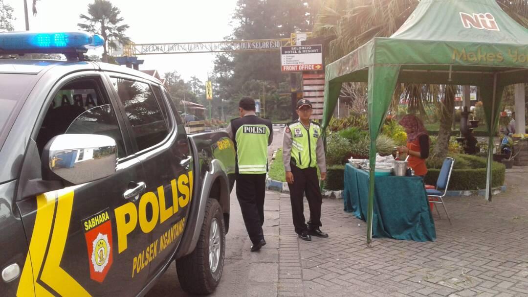 Polsek Ngantang Polres Batu Ciptakan Situasi Kondusif Di Bulan Ramadhan Dengan Patroli