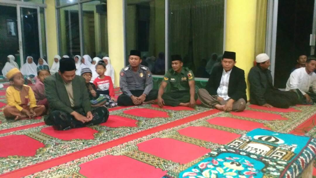Bhabinkamtibmas Polres Batu Hadiri Giat Safari Ramadhan