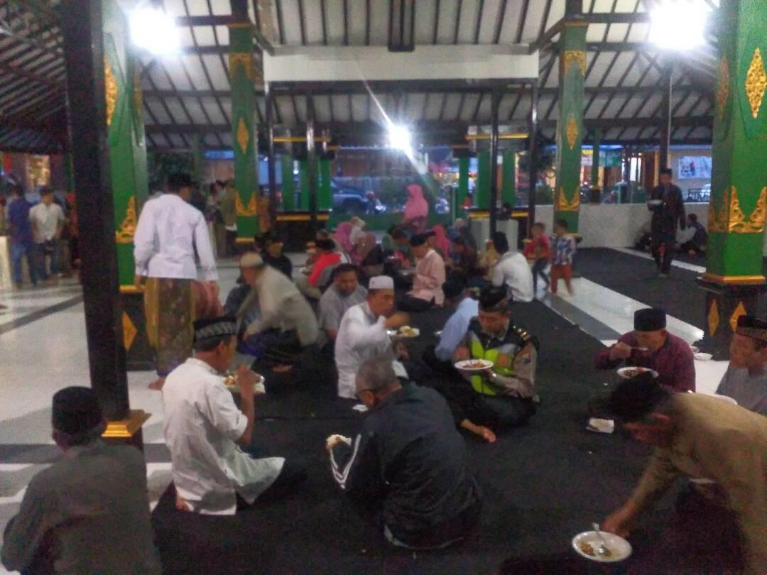 Polres Batu Buka Bersama Masyarakat Di Pendopo Kelurahan