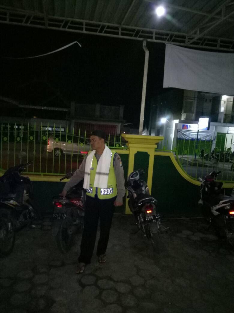 PosPam Pujon Polres Batu Tetap Semangat Dalam Memberikan Pelayanan Prima Kepada Masyarakat