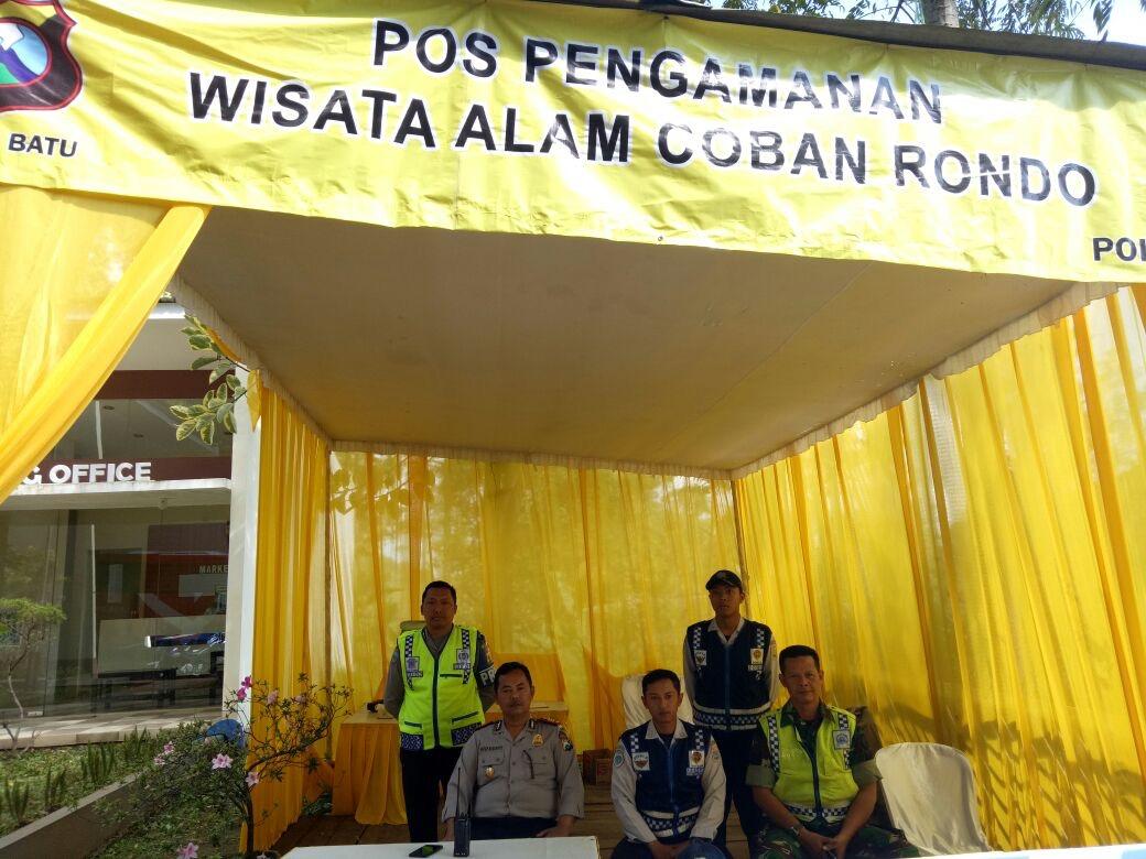 Anggota Pos Pantau Wisata Coban Rondo Polres Batu Tingkatkan Pengamanan