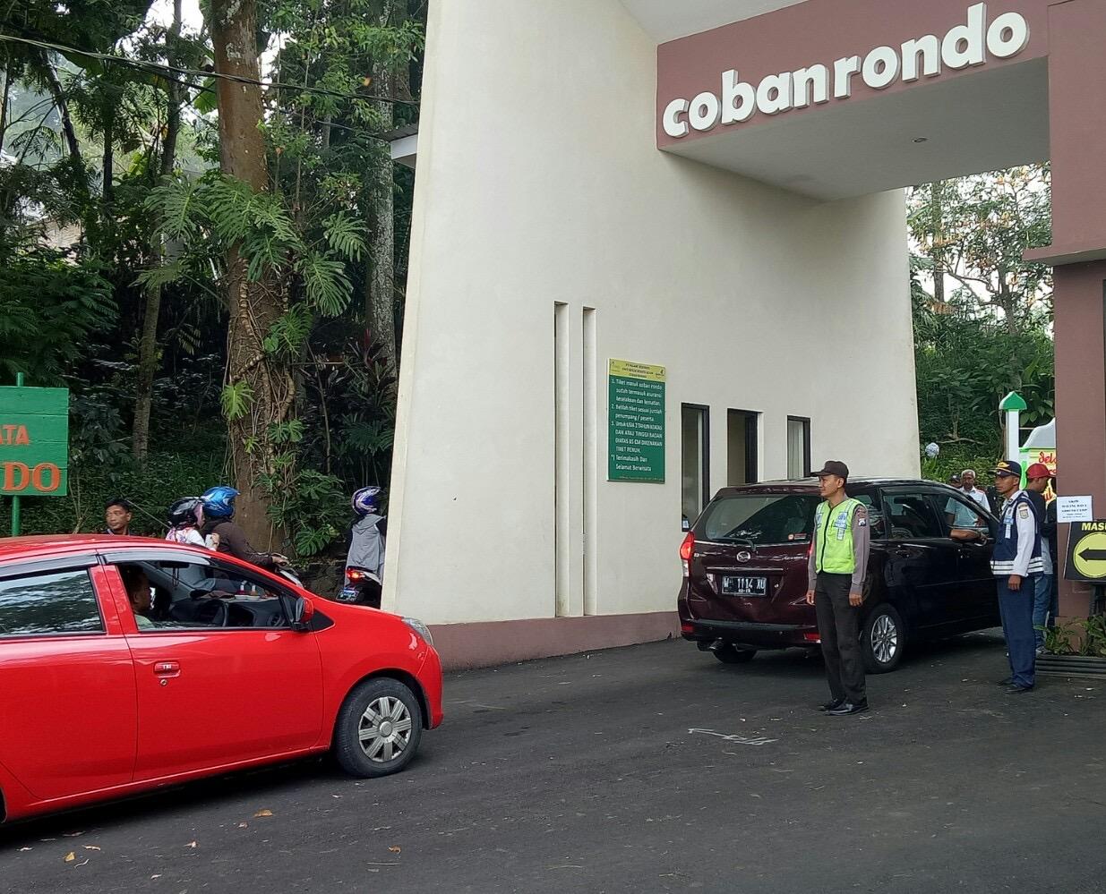 Kapospam Pujon Polres Batu Laksanakan Pengecekan Anggota Dan pengunjung Wisata Coban Rondo